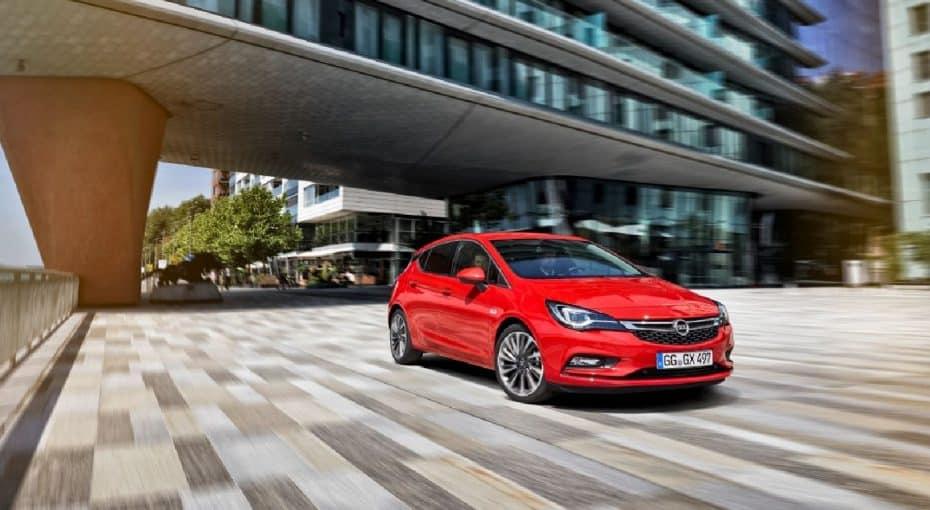 ¿Un Opel Astra multado por circular a 696 km/h?: Enhorabuena a Opel por casi superar el récord de velocidad