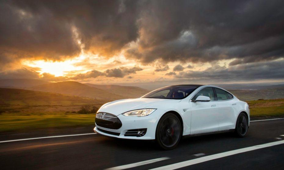 Tras el verano veremos un Tesla Model S actualizado
