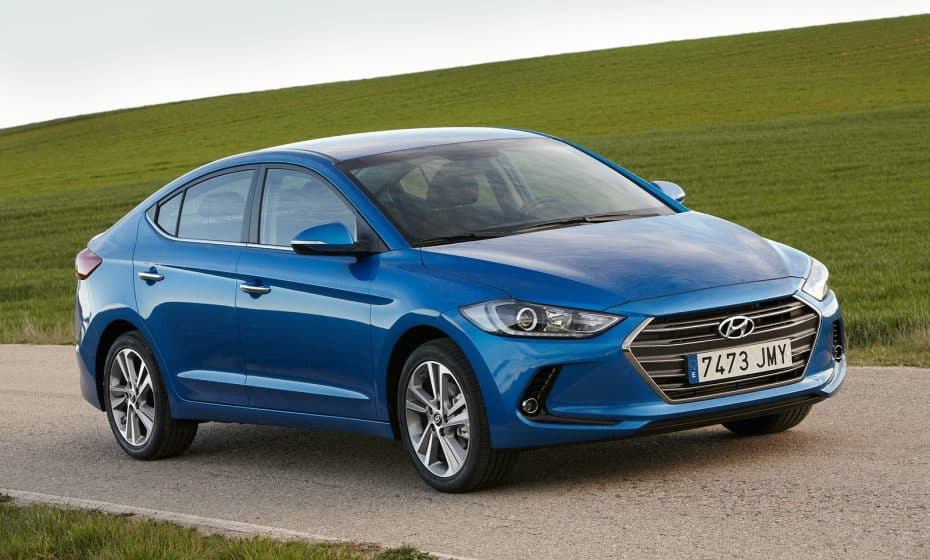 La nueva gama Hyundai Elantra elimina casi todas las versiones