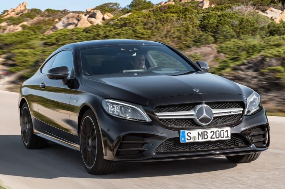 Ya a la venta los renovados Mercedes Clase C Coupé y Cabrio