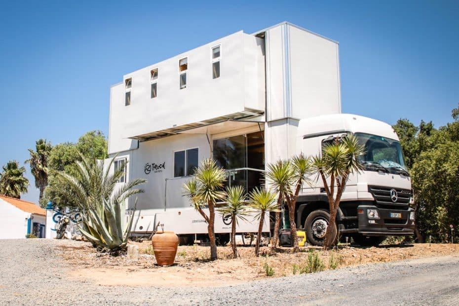 Te presentamos el 'Truck Surf Hotel': Una casa sobre ruedas para hacer recorrer el mundo haciendo surf
