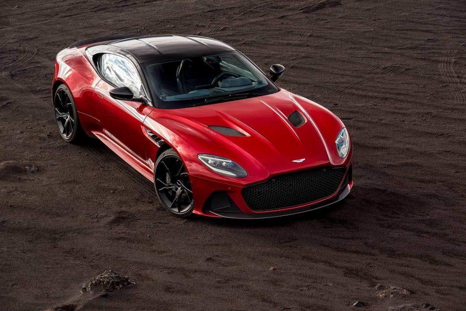 ¡Filtrado! Así de salvaje luce el Aston Martin DBS Superleggera: Saluda a su V12 de más de 700 CV
