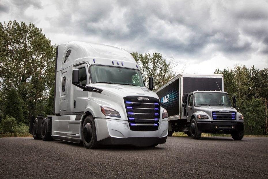 Daimler se lo pondrá difícil a Tesla con dos nuevos camiones eléctricos 'Freightliner'