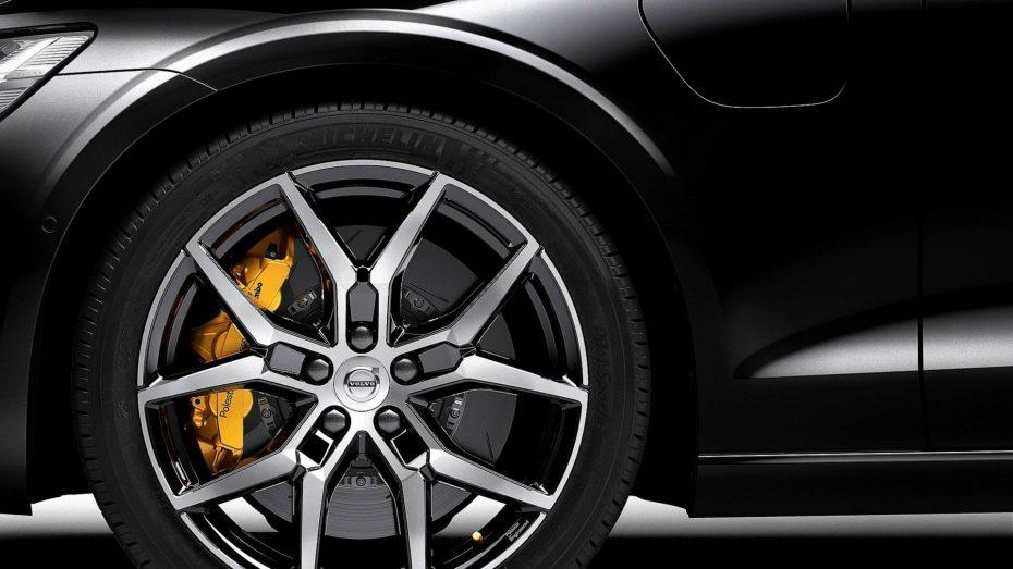 Volvo lanza los Polestar Engineered: Híbridos de alto rendimiento con más de 400 caballos