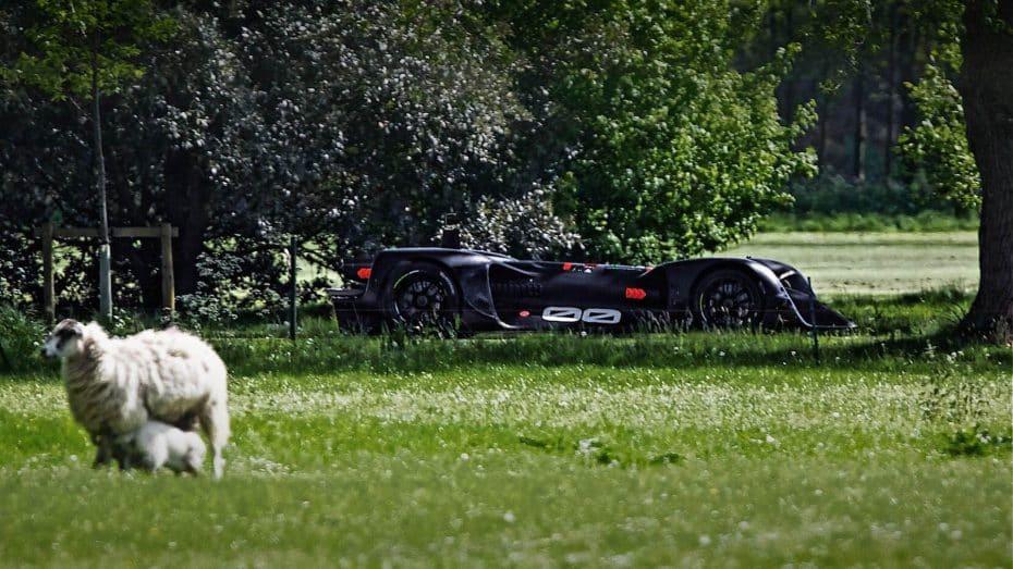 Roborace hará historia en Goodwood: Su coche autónomo completará el trazado en el Festival de Velocidad