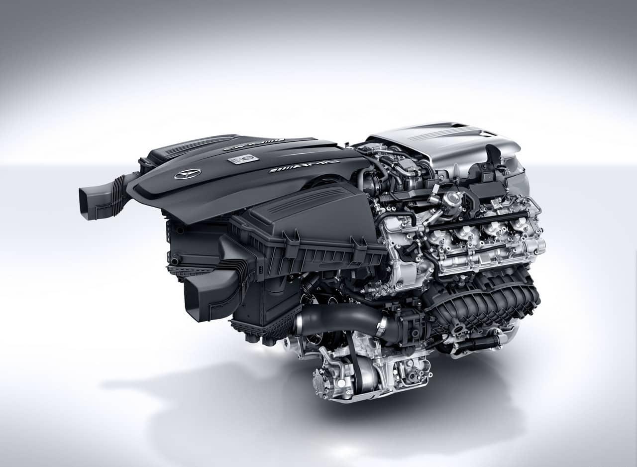 Diseño compacto Motor Hot Inside V Mercedes-Benz AMG