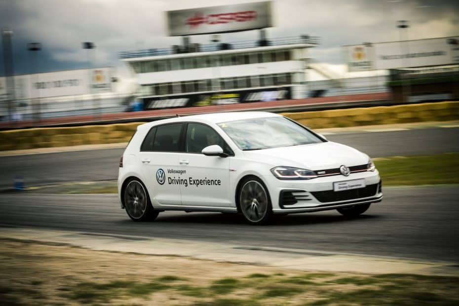 La Escuela de Conducción de Volkswagen cumple 15 primaveras y lo celebra por todo lo alto