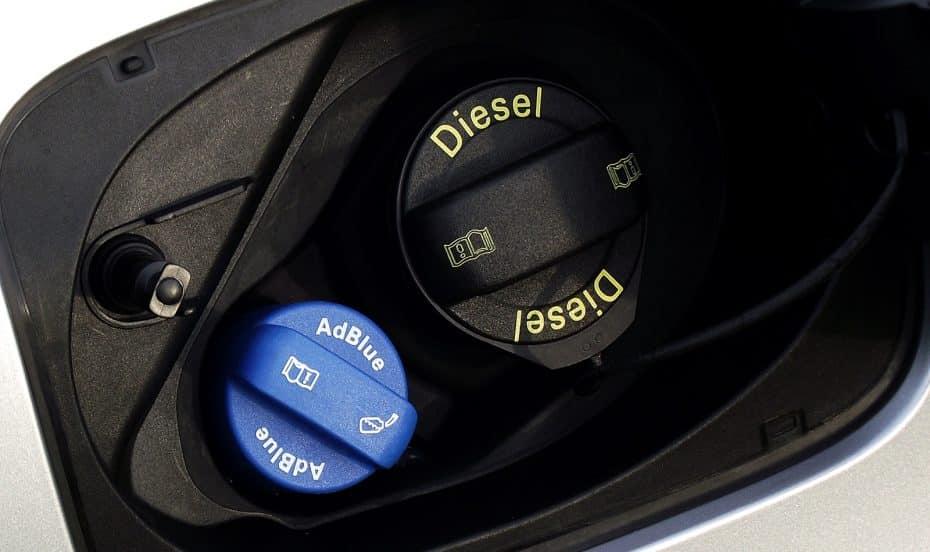 ¿Qué pasa si me quedo sin AdBlue en el coche? ¿Cómo relleno el depósito?