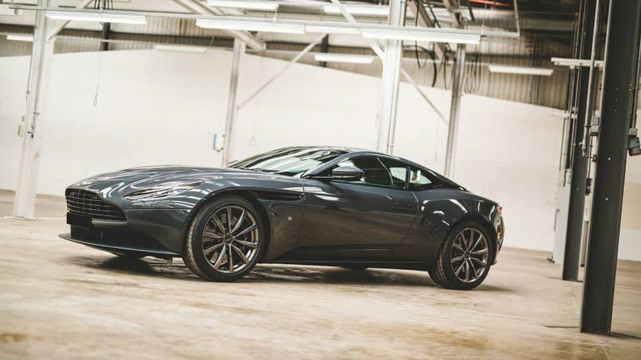 'Q by Aston Martin' nos deleita con dos exquisitas ediciones especiales sobre la base del DB11