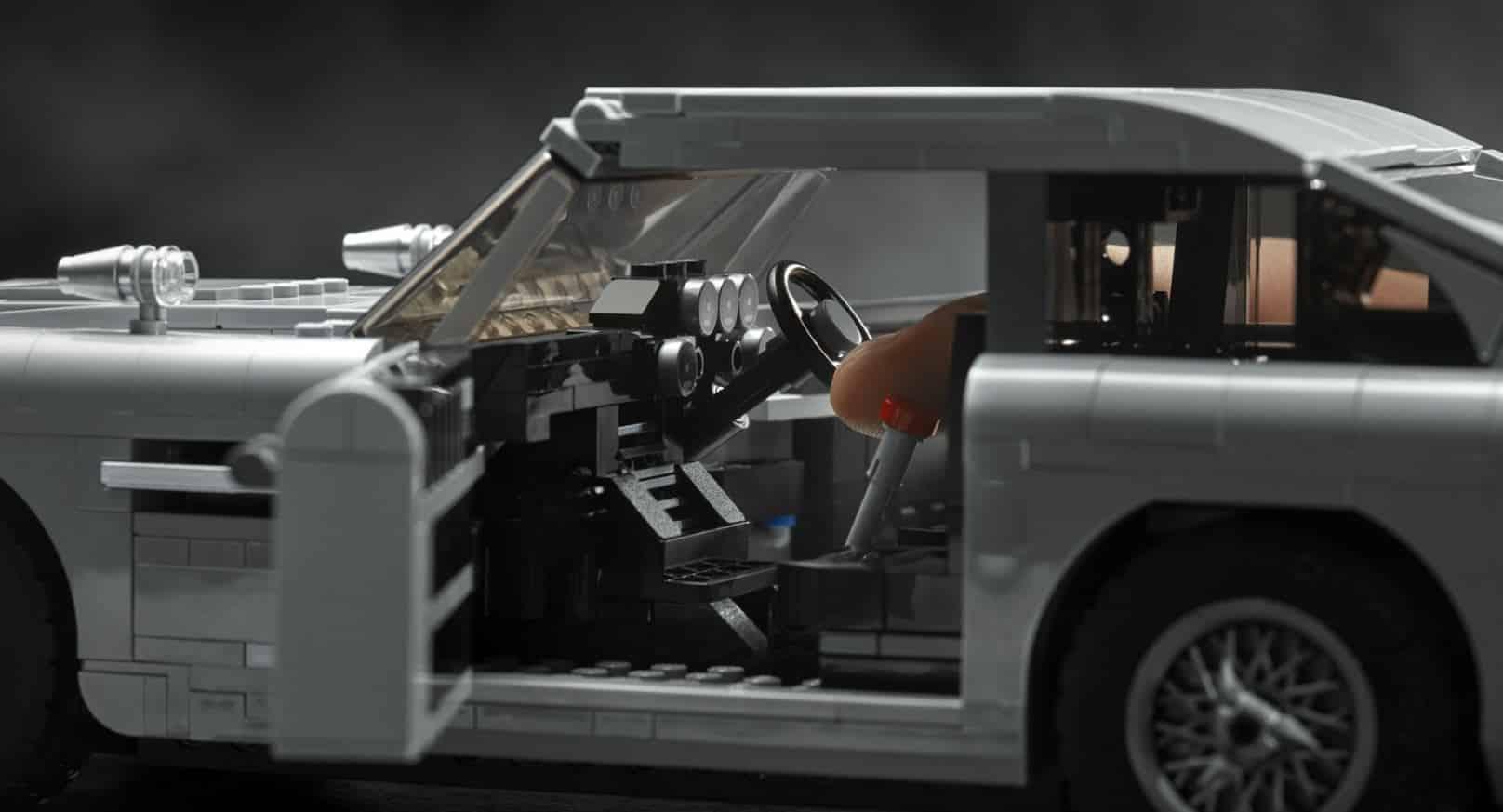 lego presenta el aston martin db5 de 007 en un espectacular set de creator expert. Black Bedroom Furniture Sets. Home Design Ideas