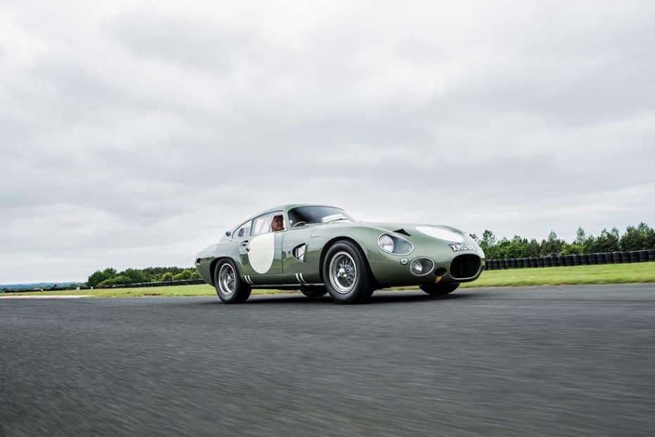 Este Aston Martin DP215 Grand Touring de 1963 es único y es el coche británico más caro del mundo