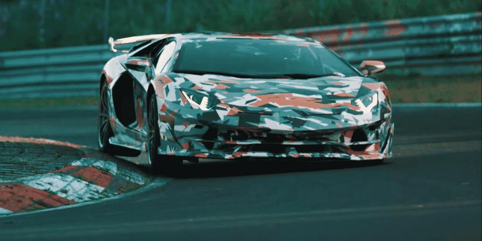 El 'zasca' de Lamborghini a Porsche: El Aventador SVJ es el rey del 'Ring'