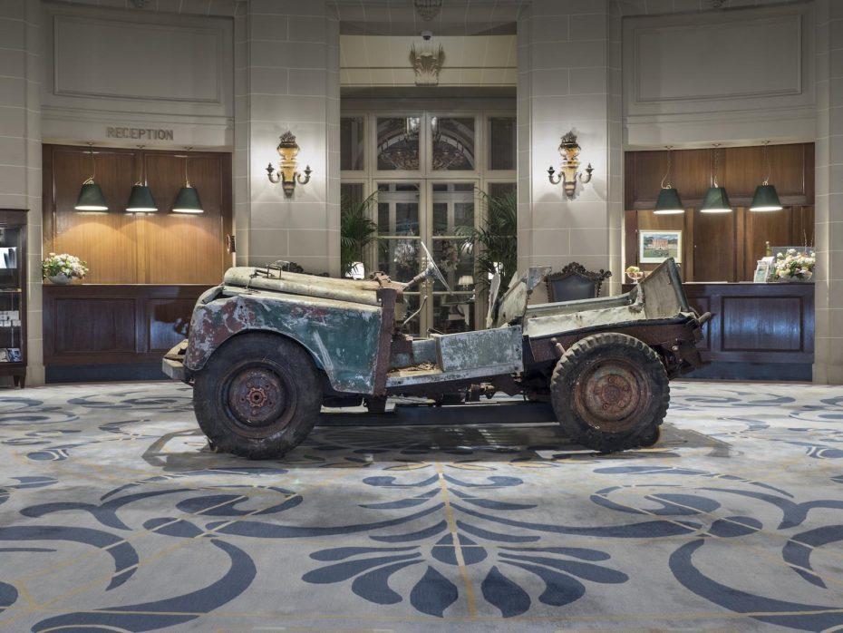 ¿Conoces la historia del primer Land Rover Defender? Una pieza de coleccionista que tiene nuevo dueño