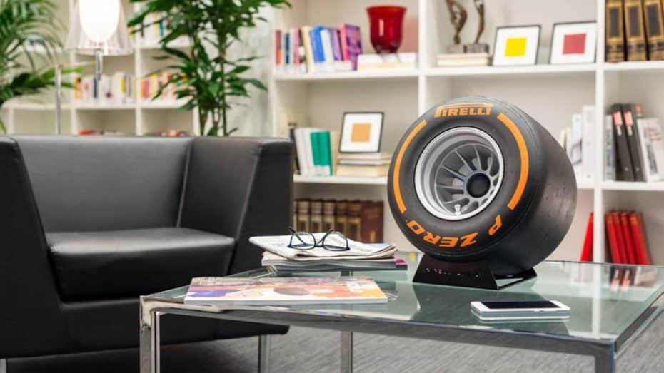Amante de la Fórmula 1: Este neumático de 2.400 euros tiene truco y es ideal para tu salón