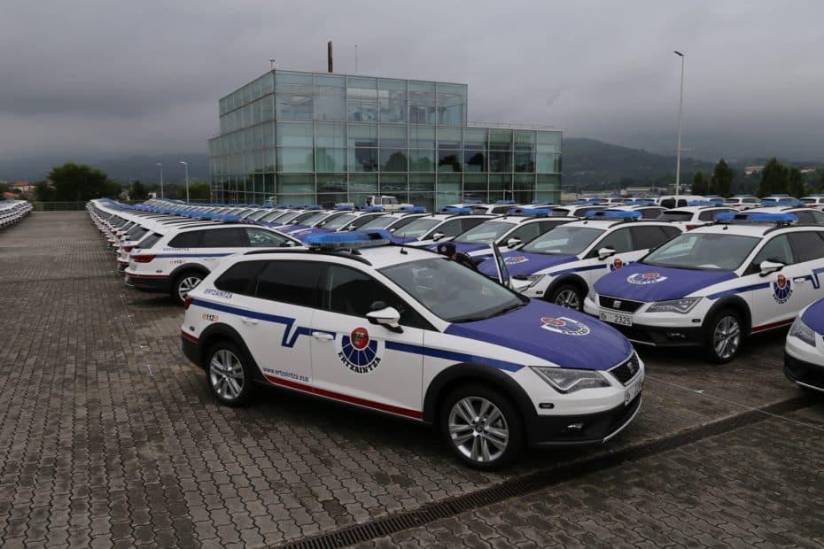 ¿Recuerdas los 300 SEAT León X-Perience de la Ertzaintza? Pues los agentes no caben dentro de ellos