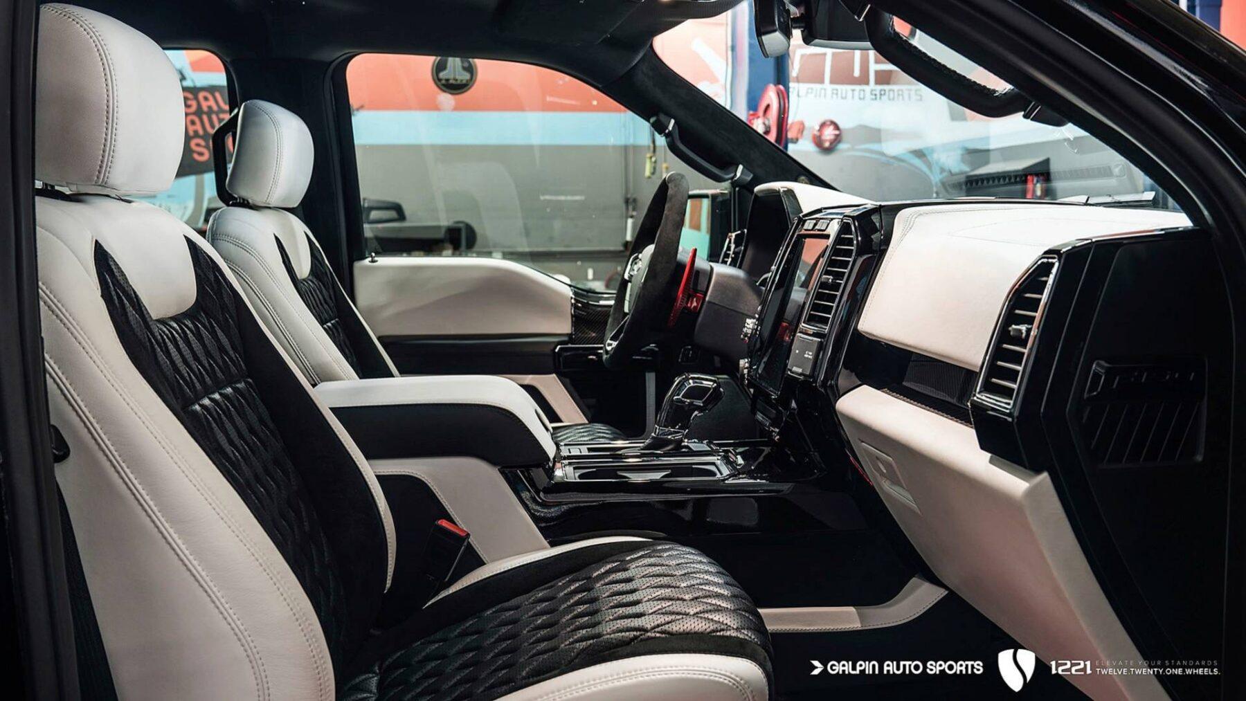 F 150 Raptor Interior >> Galpin Auto Sports ha creado el Ford Raptor F-150 más salvaje que hayas visto nunca