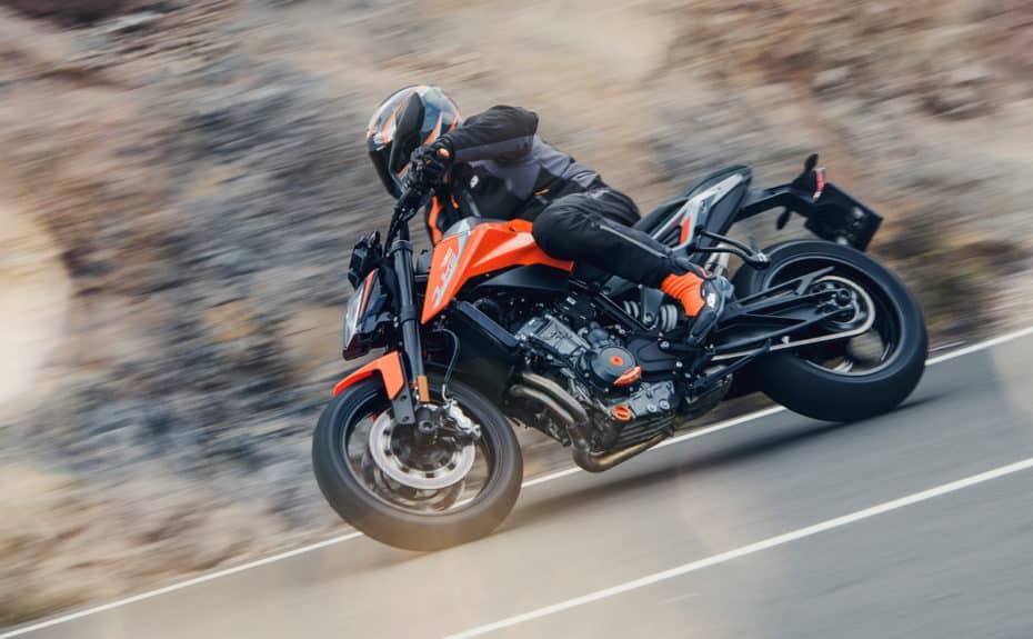 La KTM 790 Duke es ágil y precisa, pero además recibe toda la tecnología de MotoGP