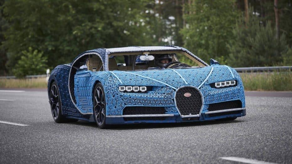 ¿Recuerdas el Bugatti Chiron de LEGO Technic? Ahora puedes conducirlo a tamaño real ¡Y motor LEGO!