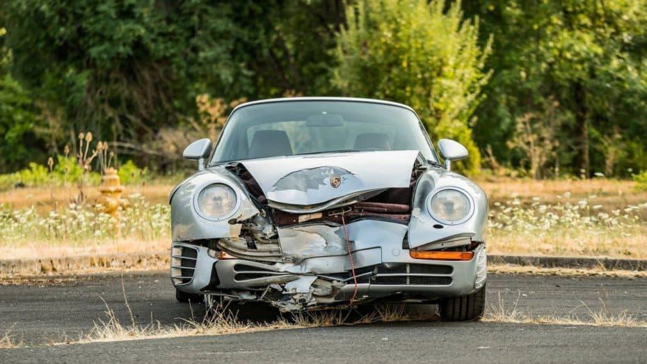 ¿Locura o genialidad? Este Porsche 959 accidentado se ha vendido por 400.000 euros