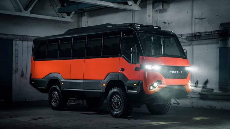 El Torsus Praetorian es un autobús todoterreno para llevar a 35 personas hasta el fin del mundo