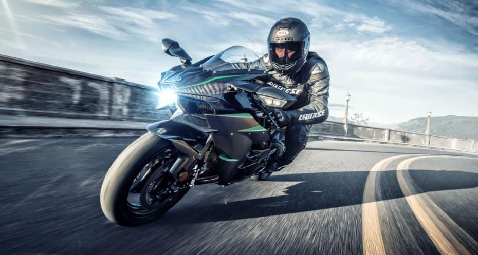La Kawasaki Ninja H2 se pone al día con el MY2019: Muchas mejoras y 231 CV
