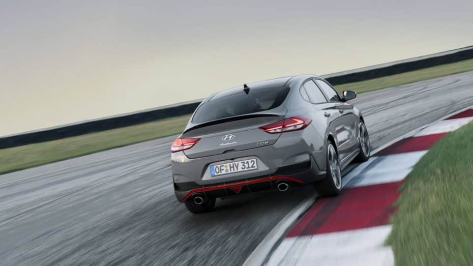 Saluda al Hyundai i30 Fastback N: El esperado sedán deportivo llega con hasta 275 CV