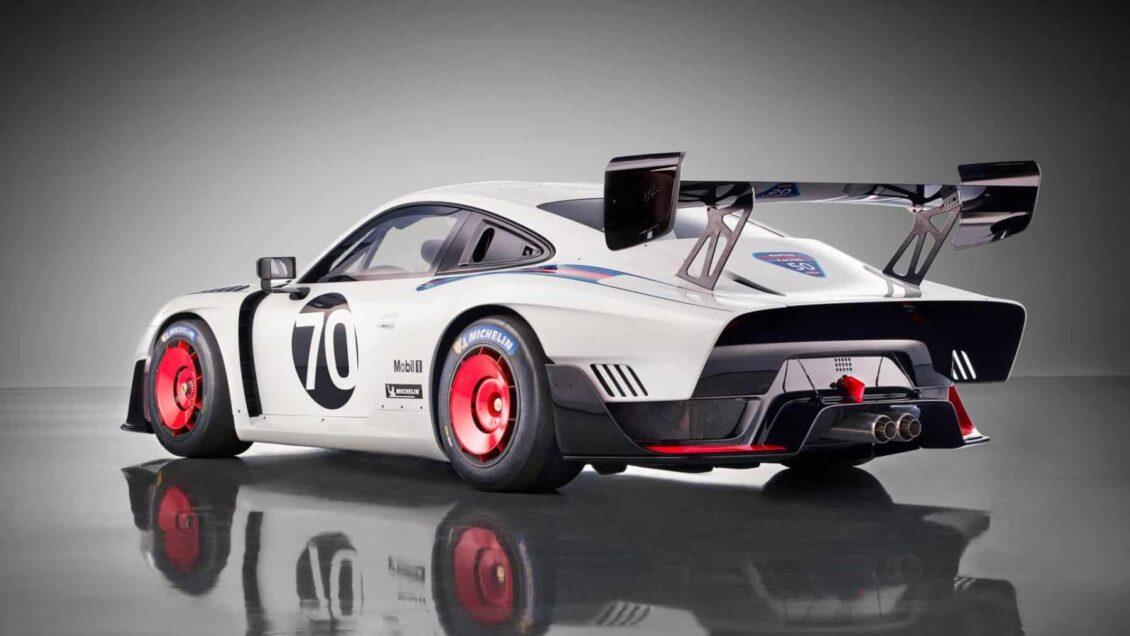 El renacer de un icono: El nuevo Porsche 935 llega con 700 CV y en pequeñas dosis sólo aptas para circuito