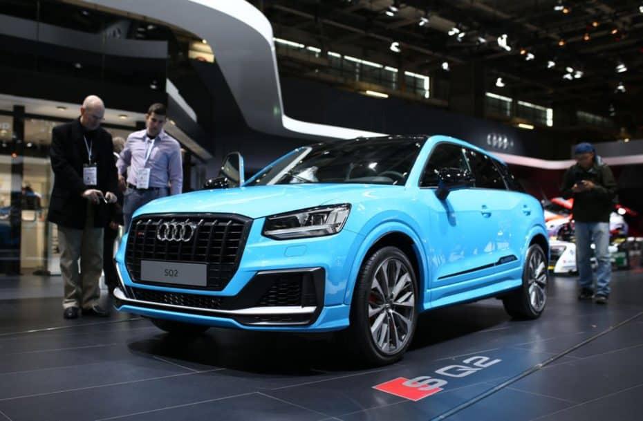 Que no te engañe su alegre color, el Audi SQ2 es una bestia de 310 CV y así luce en el Salón de París