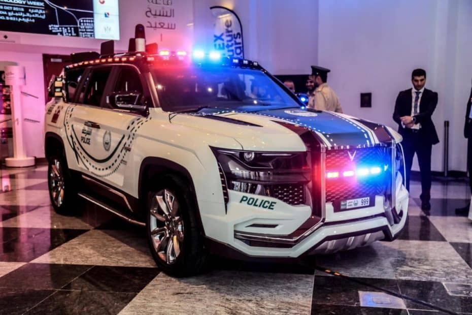 La última adquisición de la policía de Dubai es el Beast Patrol: El coche patrulla más avanzado del planeta