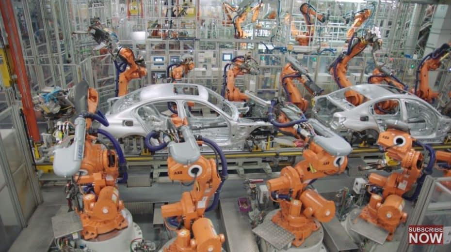 [Vídeo] Esta es tu oportunidad de sentirte dentro de la factoría de BMW y ver en detalle cómo nace un coche