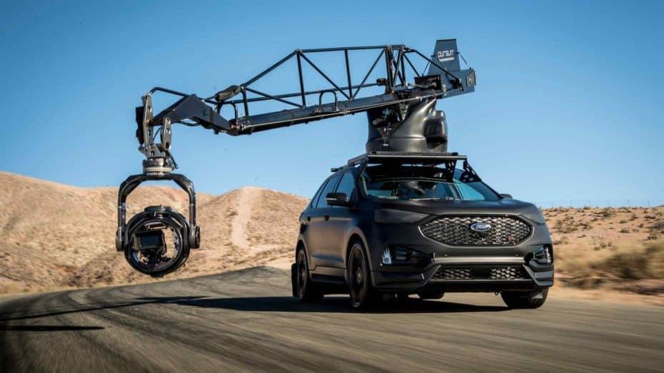 El último coche cámara de Pursuit Systems es un salvaje Ford Edge ST con más de 340 CV