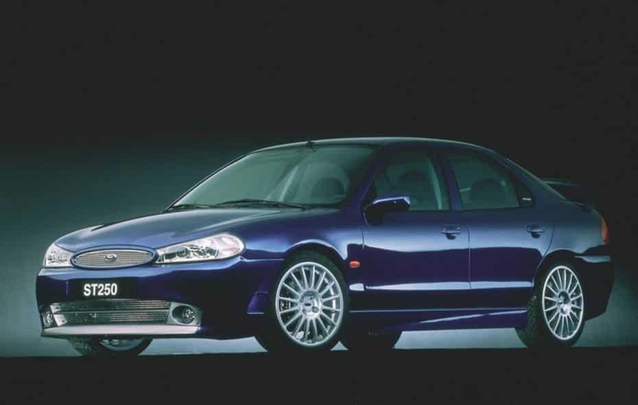 Así era el Ford Mondeo ST250 ECO Concept, todo un adelantado a su tiempo