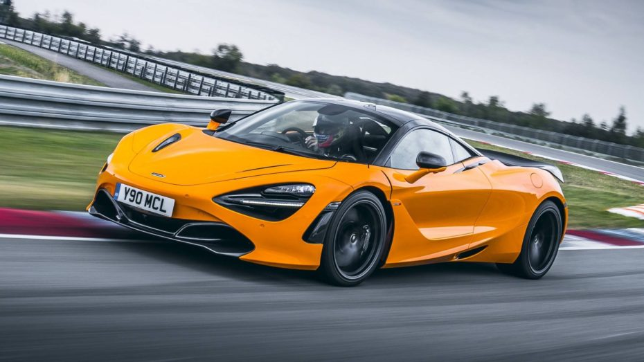 El McLaren 720S se viste de circuito gracias a un nuevo kit más ligero y radical