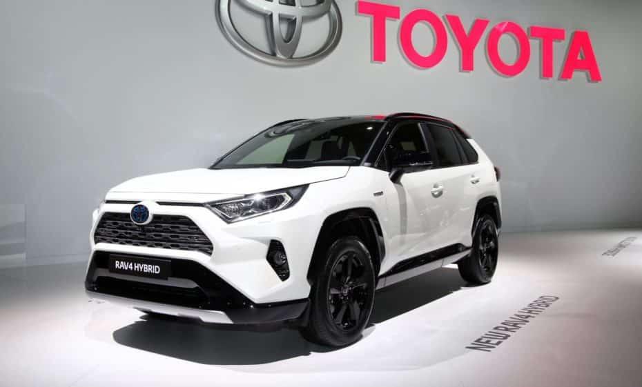 Así luce al natural el nuevo Toyota RAV4 Hybrid para Europa: Llegará en 2019