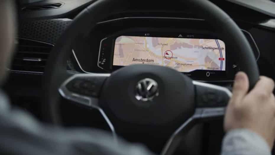 El Volkswagen T-Cross nos muestra nuevos detalles de su interior antes de su debut el día 25