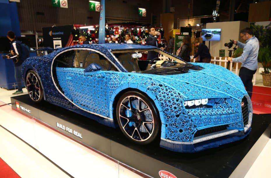 El Bugatti Chiron de LEGO Technic a tamaño real se ha dejado caer en el Salón de París e impresiona…