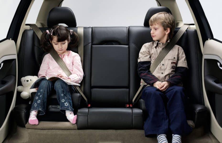 ¿Dónde sentar a los niños en el coche? Aquí la respuesta