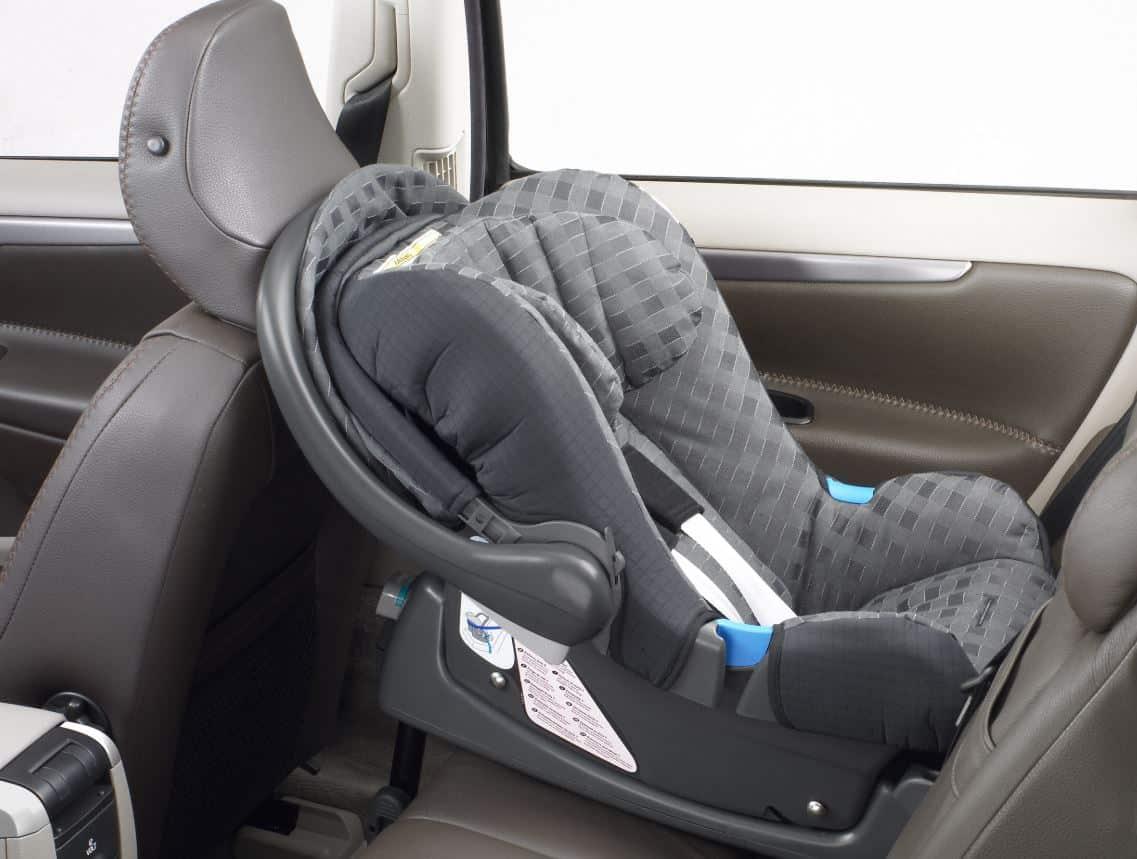 Dónde sentar a los niños en el coche
