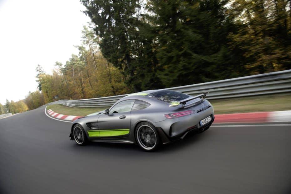 Así es el AMG GT R PRO: La bestia de Nürburgring se presenta como la opción más radical de AMG