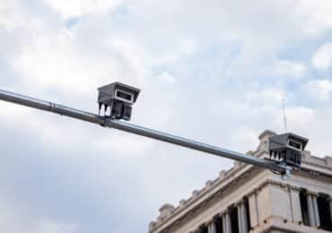 Las cámaras vigilan qué coches pueden entrar en Barcelona