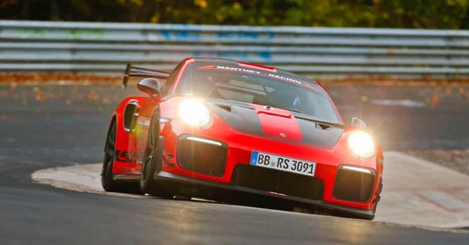El Porsche 911 GT2 RS de Manthey-Racing arrasa en Nürburgring: Nuevo récord en 6:40.3 minutos