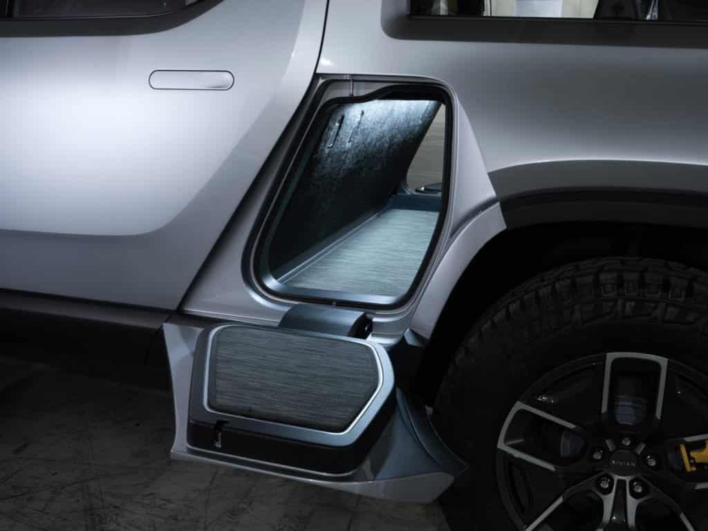 El Rivian R1T es un salvaje pick-up eléctrico de casi 800 CV y tan rápido como un superdeportivo