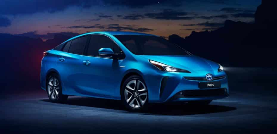 El Toyota Prius se renueva y aparece con el sistema de tracción Hybrid AWD-i y otras novedades