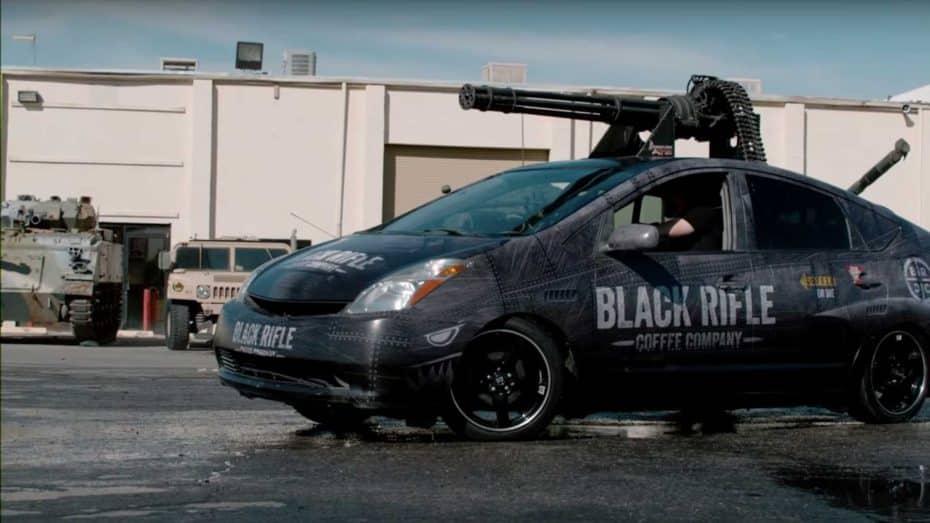 Toyota Prius Vulcan: O cómo combatir el cambio climático con un cañón rotativo M61