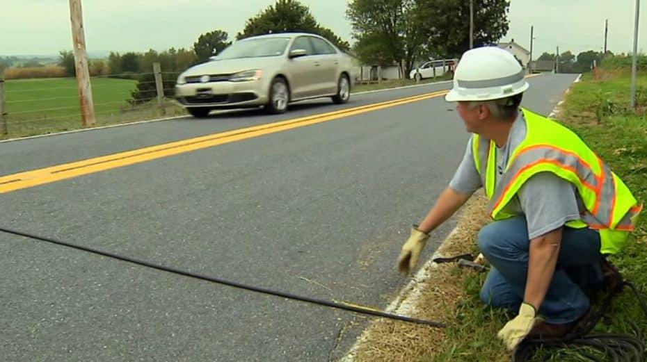 ¿Qué son esos cables negros que a veces pisas en la carretera? Esta es su función
