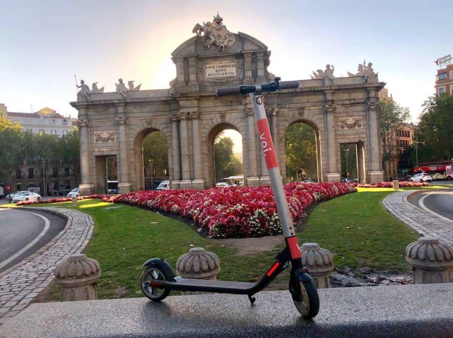 ¿Adiós a los patinetes? El Ayuntamiento de Madrid da 72 horas a VOI, Wind y Lime para su retirada