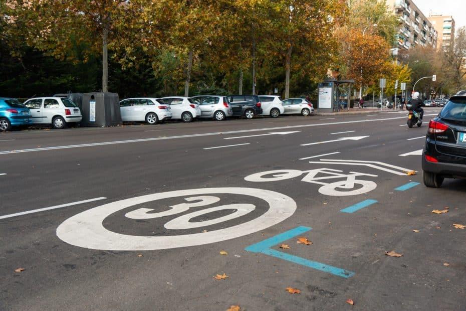 El Gobierno y la DGT trabajan para limitar la velocidad máxima a 30 km/h en todas las ciudades