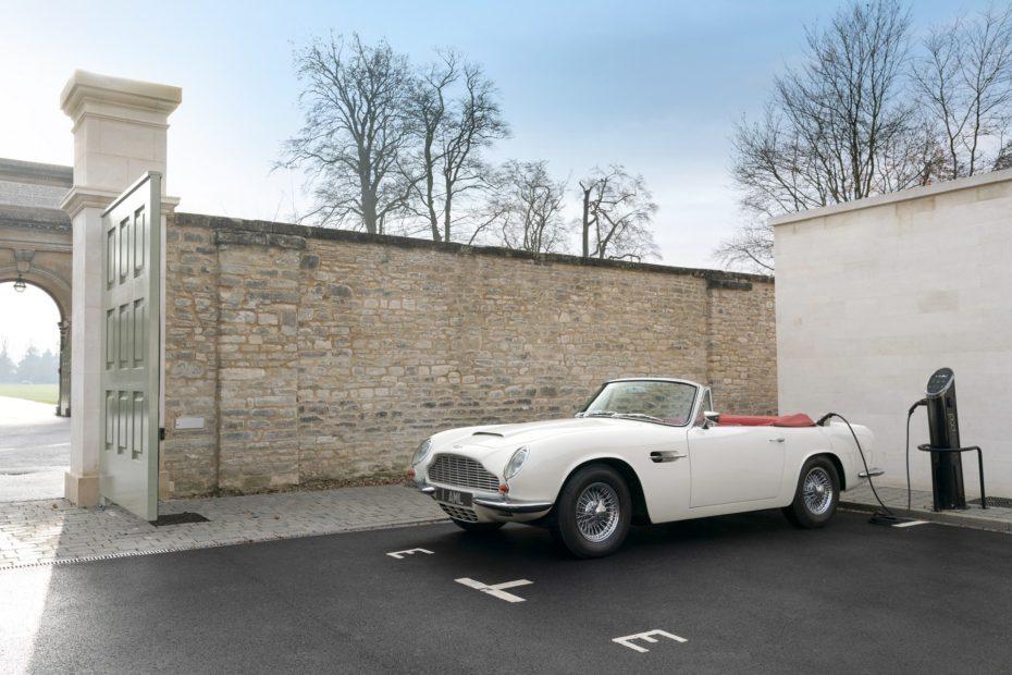 ¿El futuro de los clásicos? El Aston Martin Heritage EV es 100% eléctrico y conserva la esencia del pasado