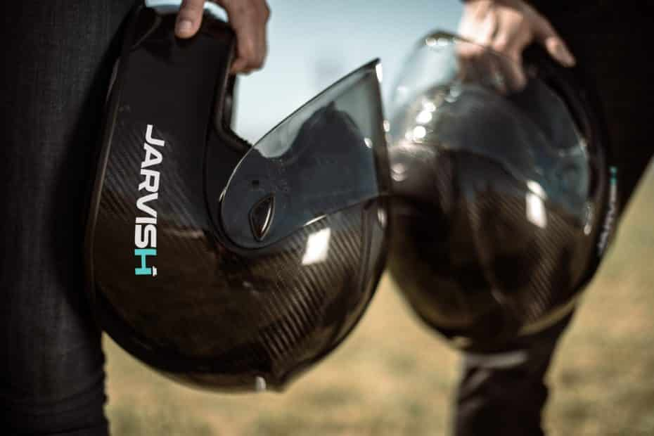 El Jarvish X-AR HUD es un casco inteligente con Amazon Alexa y un HUD a color