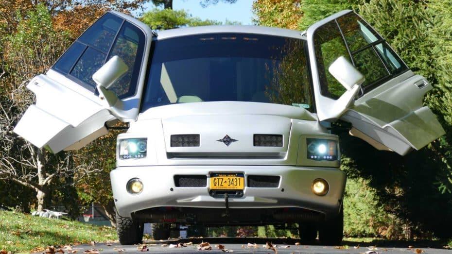 ¡Vendida! Esta Mauck Custom de 1998 es una auténtica nave espacial con puertas de alas de mariposa